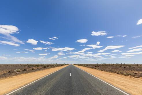 Australia, South Australia, Nullarbor Plain, Eyre Highway in desert - FOF12002