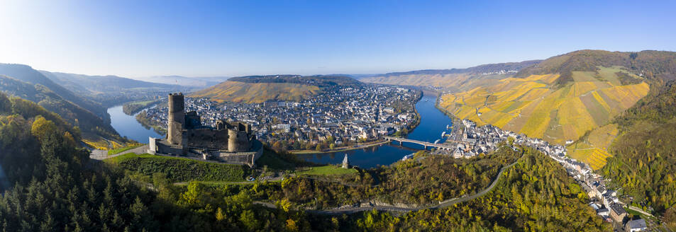 Germany, Rhineland-Palatinate, Bernkastel-Kues, Helicopter panorama of Landshut Castle, Moselle and surrounding town in summer - AMF09117