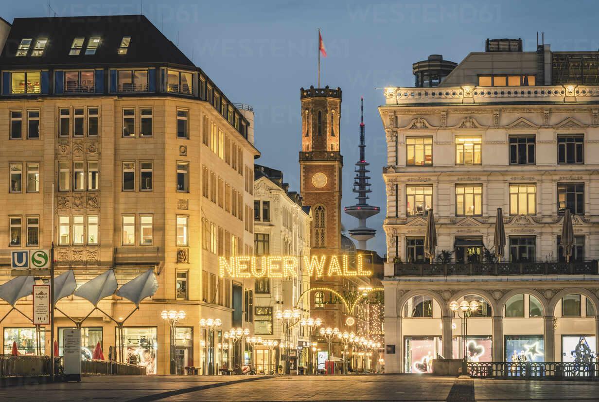 Deutschland, Hamburg, Innenstadt mit Weihnachtsbeleuchtung - KEBF01803 - Kerstin Bittner/Westend61
