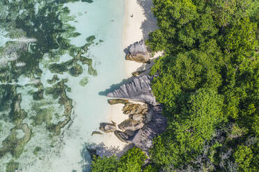 Aerial view of the famous sandy beach Anse Source d´Argent at La Digue Island. Anse Source d´Argent, La Digue, Seychelles, Indian Ocean, Indian Ocean Islands, Africa, Equator. - RUEF03198