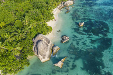 Aerial view of the famous sandy beach Anse Source d´Argent at La Digue Island. Anse Source d´Argent, La Digue, Seychelles, Indian Ocean, Indian Ocean Islands, Africa, Equator. - RUEF03207
